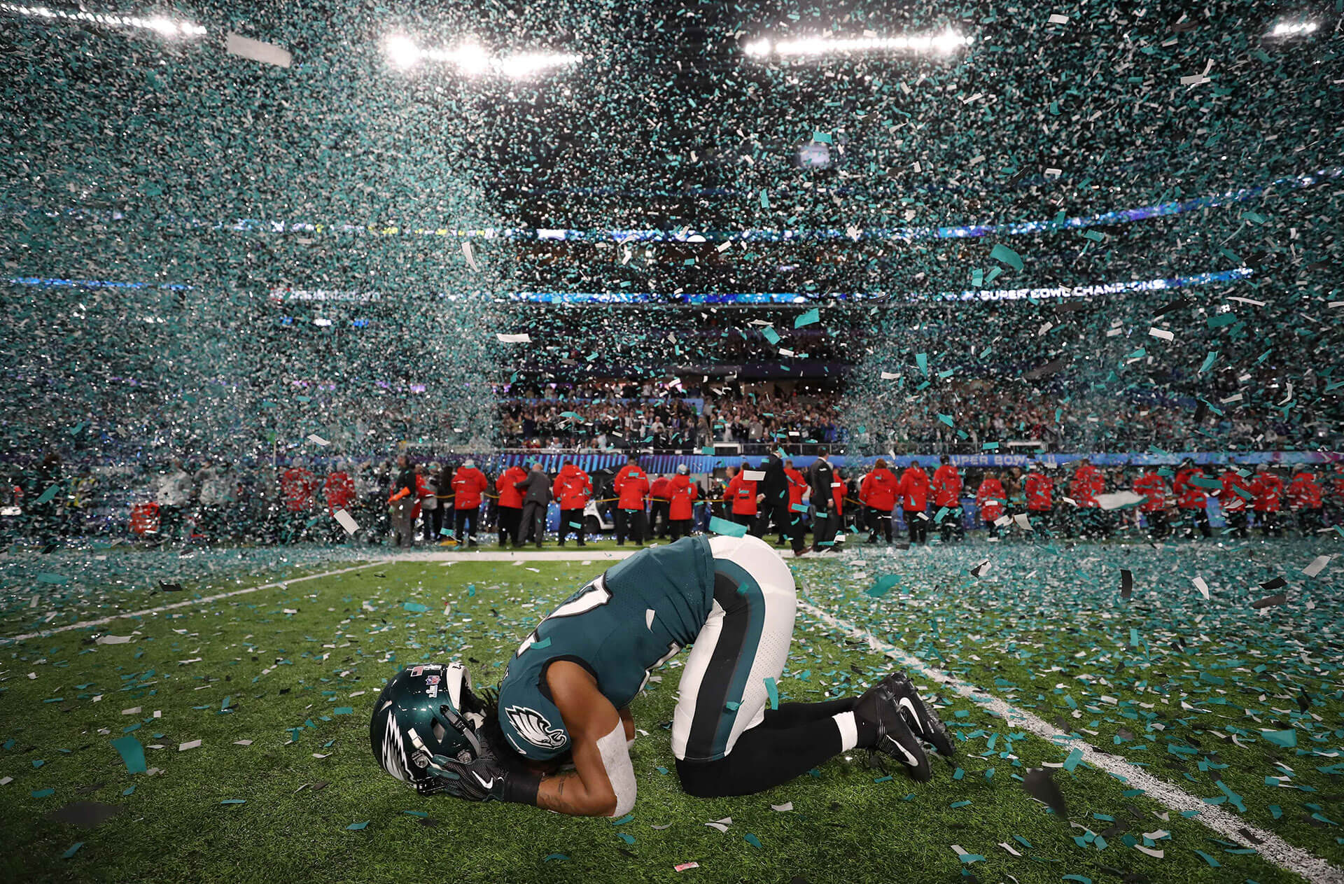 Patrick Robinson of the Philadelphia Eagles celebrates his team's Super Bowl victory zcaption: alt