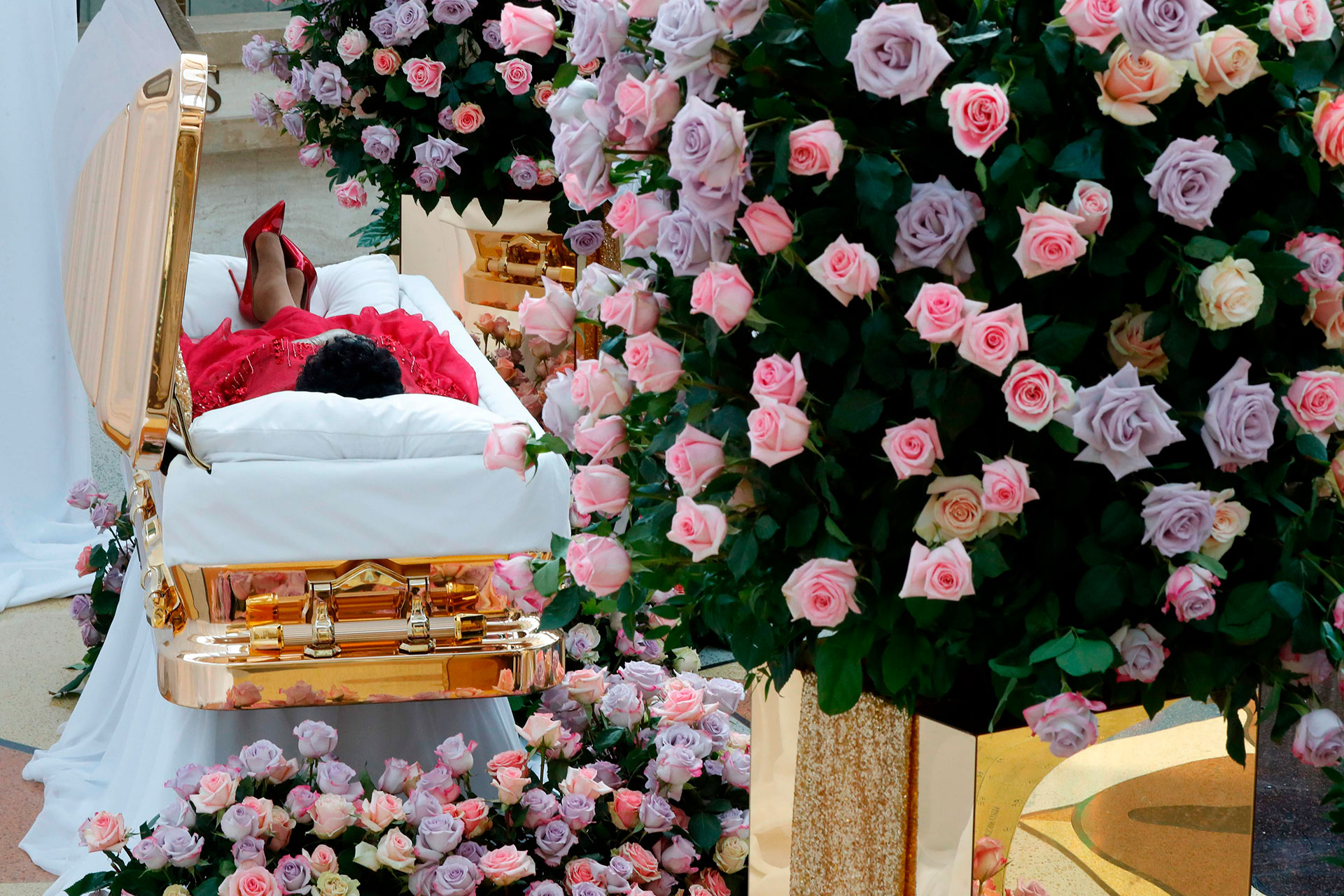 Aretha Franklin was waked in a gold-plated casket